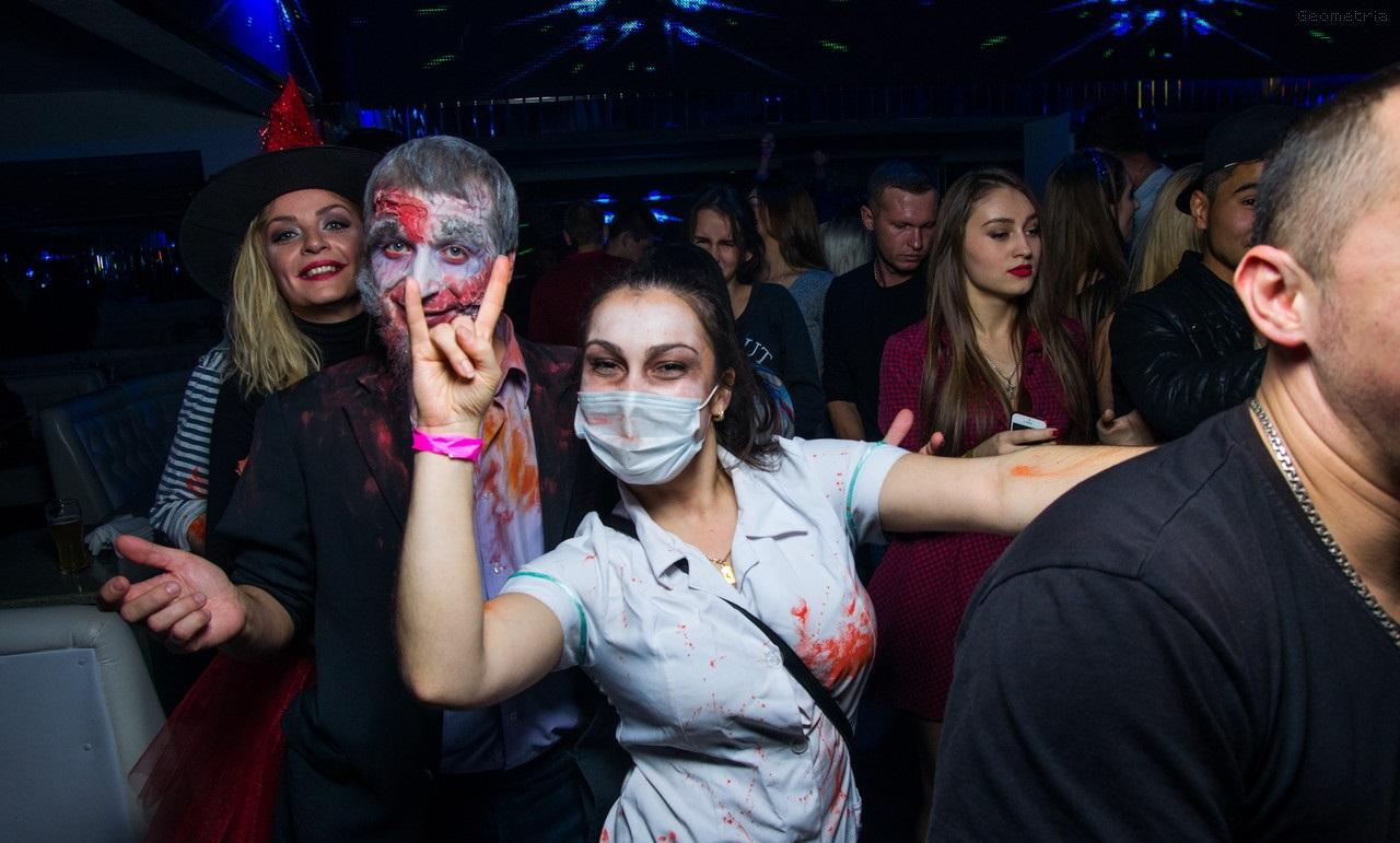 Лучшие костюмы на Хэллоуин. Медицинская тематика.